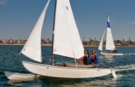 Hobie flying the hull